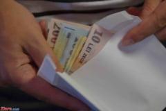 Managerul Spitalului Judetean Slatina, care i-a intermediat o spaga lui Valcov, face acum campanie anticoruptie