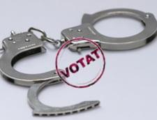 Maneaua alegatorului: Iti dau mandat dupa mandat, chiar daca esti anchetat
