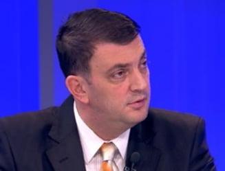 Manescu: Becali isi poate pastra locul din comisia de modificare a Constitutiei