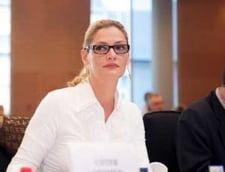 Manescu fuge de privatizarea CFR Marfa. Cui ii paseaza responsabilitatea