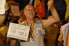 Manifestatie anti-Basescu la Palatul Parlamentului