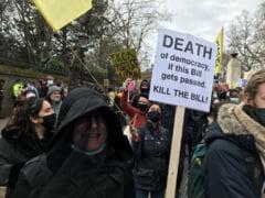Manifestatii in Marea Britanie impotriva unei legi care ar conferi politiei prerogative suplimentare in combaterea protestelor