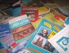 Manualele scolare au fost reevaluate: Ministerul Educatiei, acuzat in continuare de frauda (Video)