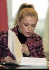 Manuela Mitrea mai vrea un mandat de deputat