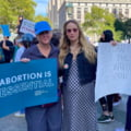 Marş pentru dreptul la avort în SUA. Actriţele Jennifer Lawrence şi Amy Schumer, printre vedetele participante