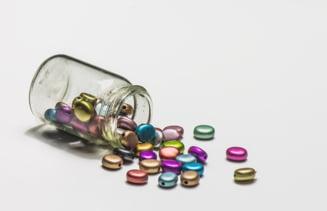 Mare atentie la ce vitamine iei! Una iti poate strica tenul