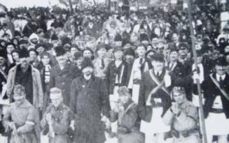 Marea Unire de la Alba Iulia si pandemia de gripa spaniola. De frica bolii, romanii purtau coliere cu catei de usturoi
