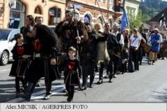 Marea parada la care au luat parte peste 300 de artisti a deschis Festivalul Sighisoara Medievala XXIII