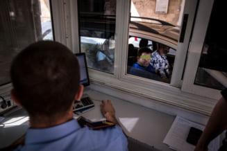 """Marea problemă a românilor vaccinați în Marea Britanie ajunși acasă: """"Vameșii nu pot să citească codul QR """""""