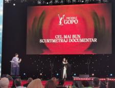 """Marele castigator al Galei Gopo: """"La Gomera"""", de Corneliu Porumboiu. Prezentatorul evenimentului, adus pe scena cu izoleta"""