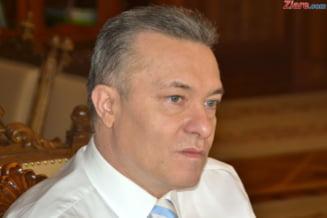 """Marele risc pentru Romania. """"Iohannis ar trebui sa sesizeze el Comisia de la Venetia"""" - Interviu"""