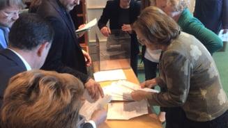Maria Grapini, contrata de o colega din PE dupa ce a numarat gresit voturile pentru Kovesi: Scuza-ma, dar lasa-ma pe mine sa fac asta! (Video)