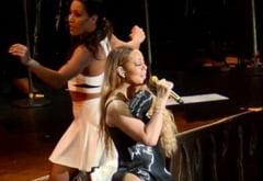 Mariah Carey continua sa socheze pe scena (Foto)