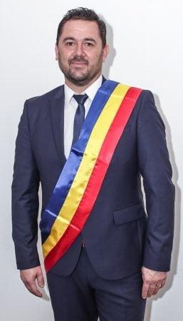 Marian Taga a depus juramantul pentru primul sau mandat de primar al comunei Vedea (FOTO)