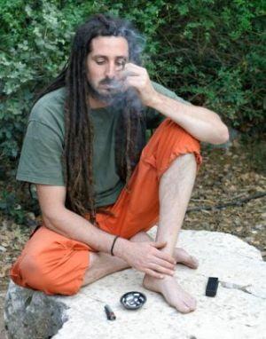 Marijuana te apara de cateva tipuri de cancer