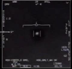 Marina americana recunoaste ca in niste clipuri video apar OZN-uri (Video)