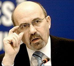 Marko Bela: Traian Basescu provoaca scandaluri ca sa distruga campania