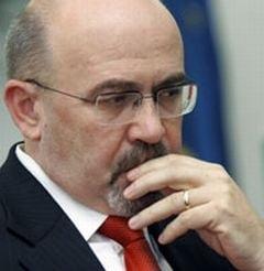 Marko despre intentia lui Boc de a demisiona: Nu stiu, dar e clar ca e pus pe ganduri