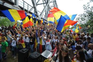 Mars pentru unire: Sute de tineri au ajuns in Romania din Chisinau, dupa ce au mers pe jos 100 de kilometri