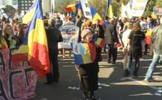 Mars pentru unirea Basarabiei cu Romania: Mii de oameni cer o singura tara (Galerie foto)