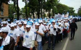 Martie incepe cu proteste majore. Zeci de mii de oameni in strada, impotriva lui Ponta