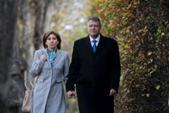 Martisorul lui Klaus Iohannis pentru prima doamna (Foto)
