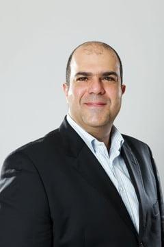 Marturiile unui grec de succes din UK: Mi se rupe inima cand vad Grecia de azi. Petrecerea s-a terminat