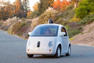 Masina Google care se conduce singura a invatat un nou truc: Sa claxoneze politicos