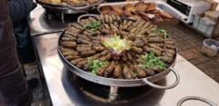 Masina de tocat carne, obligatorie in casa oricarui pasionat de gastronomia romaneasca