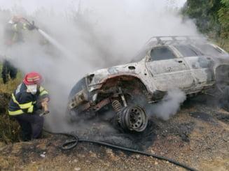 Masina gasita arzand in sant, la Horodnic de Sus