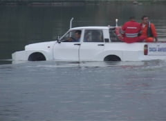 Masina romanului, asa cum nu ai mai vazut: Singura Dacia care merge si pe apa