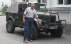Masina unui consilier local din municipiul Botosani, admirata la o expozitie auto