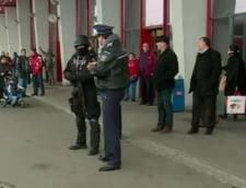 Masuri sporite inainte de Revelion: Trupele speciale patruleaza cu armele la vedere
