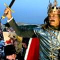 Mazare, pe cal alb, deghizat in Stefan cel Mare: Dar deschideti poarta, turcii ma-nconjor...