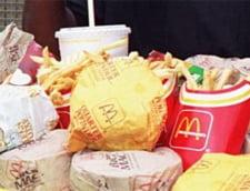 McDonald's si KFC reduc sarea si grasimile din meniuri