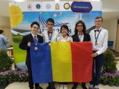 """Medalia de bronz a Olimpadei Internationale a """"Stiintelor Pamantului """" a ajuns la Craiova"""
