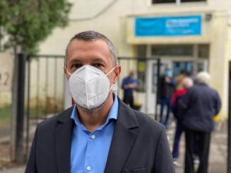 """Medicul Adrian Wiener, deputat USR-PLUS: """"Redeschiderea scolilor pe 8 februarie nu este posibila. Mai degraba la jumatatea lui martie"""""""