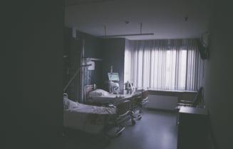 Medicul si asistenta care ar fi facut sex in ATI Targu Jiu, cercetati de autoritatile din spital. Reclamatia, facuta de fostul iubit gelos