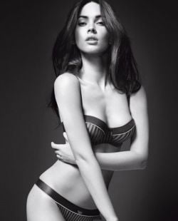 Megan Fox - pictorial sexy pentru Armani