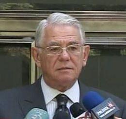 Melescanu: Armata nu are oameni sa pazeasca depozitele de armament