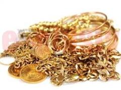 Menajera, cercetata pentru furt de bijuterii