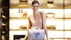 Mergi la shopping? Ce zici de o geanta Gucci pentru tinuta business