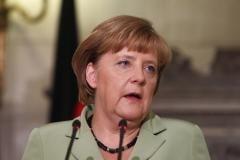 Merkel: Urmeaza ani durerosi pentru zona euro