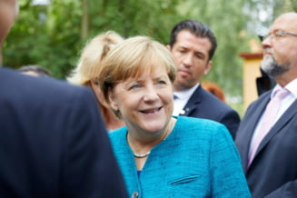 Merkel anunta ca incepe negocierile cu FDP si cu Verzii pentru formarea guvernului