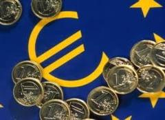 Merkel cedeaza pe jumatate: accepta pachetul de crestere, nu si impartirea datoriei (Video)