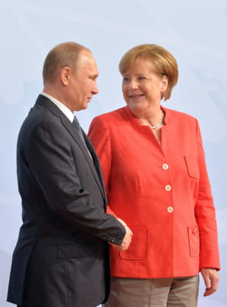 Merkel l-a vizitat pe Putin la resedinta sa de vara, pentru a discuta despre cum ajunge gazul rusesc in Germania