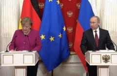 Merkel si Putin au discutat la Moscova despre Libia si Iran: Urmeaza negocieri de pace la Berlin
