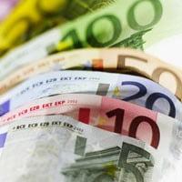 Merrill Lynch: Euro va ajunge la 4,8 lei in septembrie
