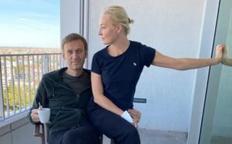 """Mesaj """"despre iubire"""" transmis de Alexei Navalnii din spital: """"Iulia, m-ai salvat si asta ar trebui inclus in manualele de neurostiinta"""""""