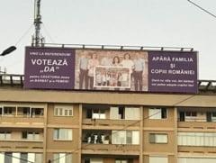 Mesaj alarmist la Timisoara pentru a promova referendumul pentru familie: Daca nu vii la vot, doi barbati vor adopta copilul tau! (Foto)